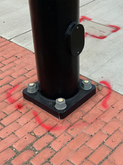 Traffic signal pole base in good condition